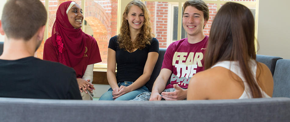 <p class='flashheadline'>Why FSU Honors?</p><p class='flashsubtitle'>Find out why you need to be in the  Honors program at Florida State University</p><p><a href='/About-Us/Why-Honors' class='super_more_link'><img src='/design/topnav/images/more.gif'/></a></p>